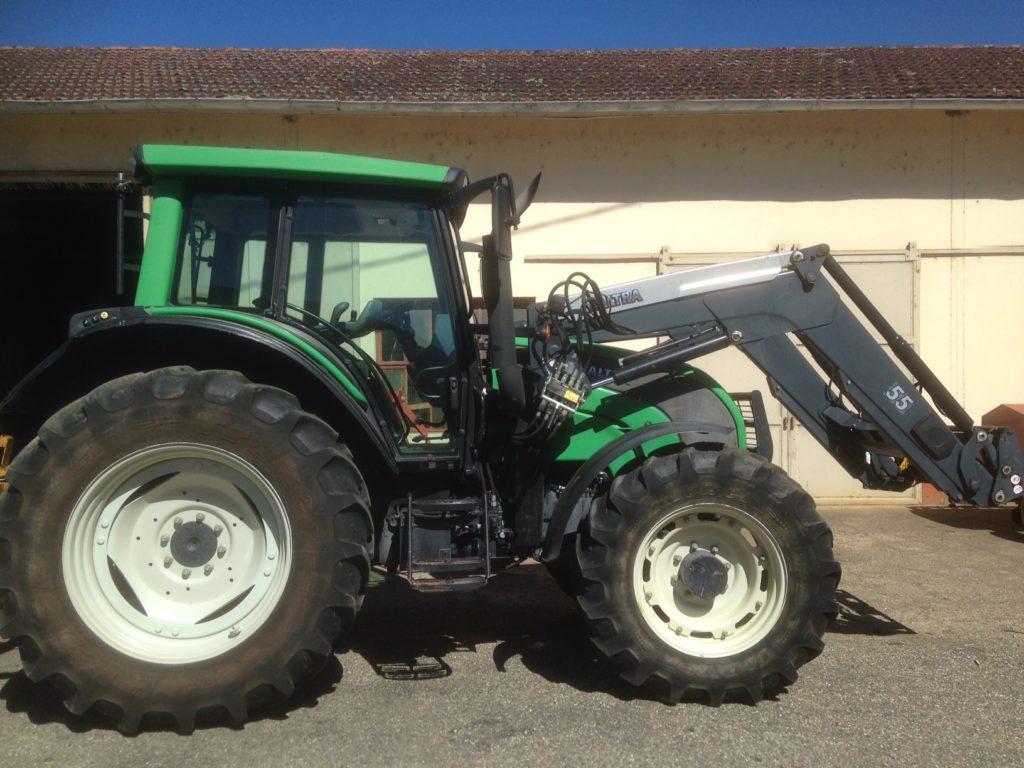 tracteur occasion valtra etablissements lafforgue concession de machines agricoles. Black Bedroom Furniture Sets. Home Design Ideas